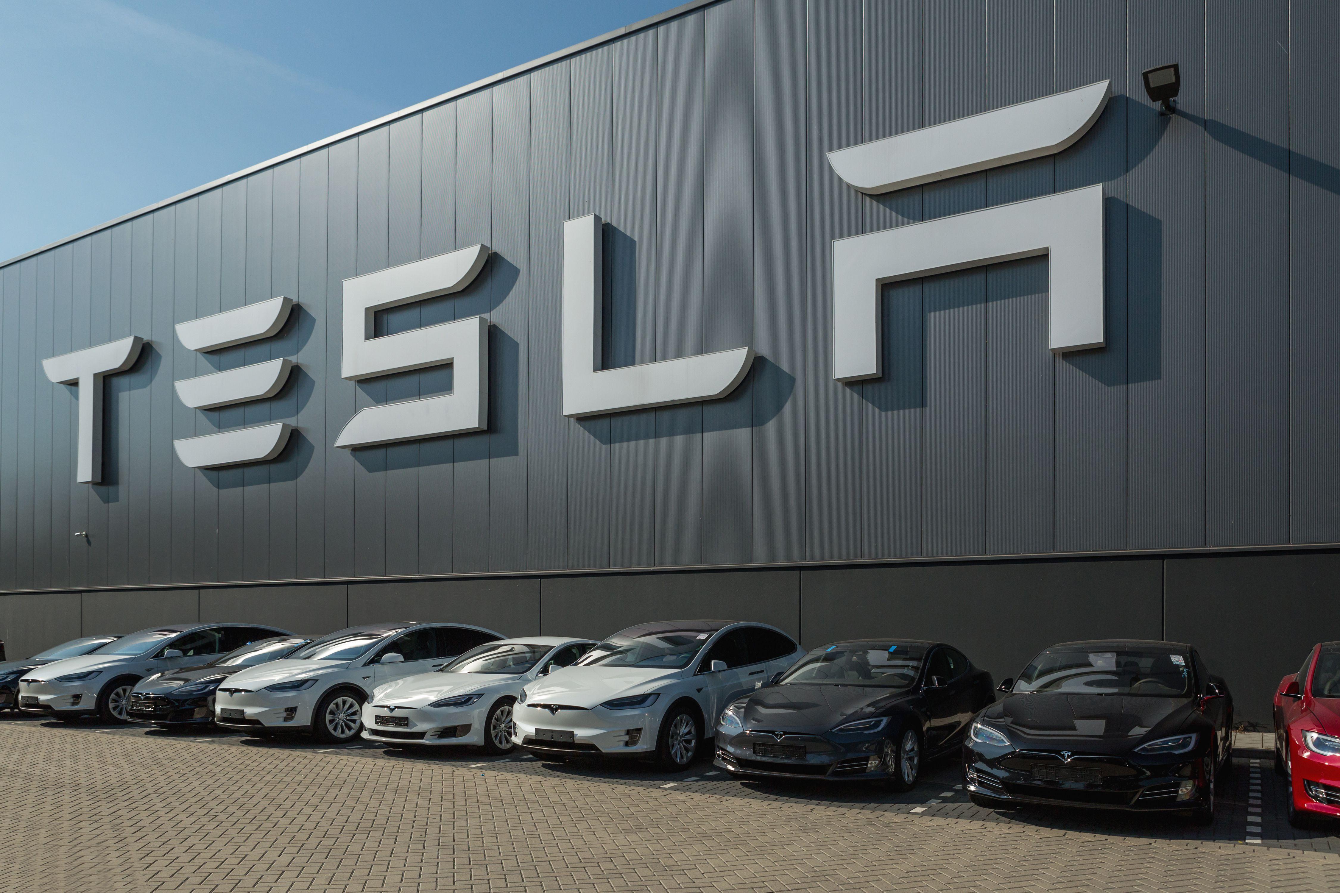 Cryptocurrency Tesla Elon Musk